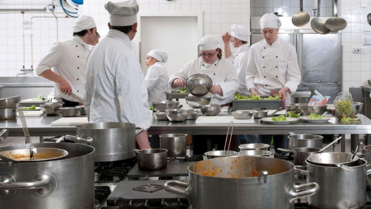 طراحی یک آشپزخانه صنعتی کوچک  - طراحی یک آشپزخانه صنعتی کوچک